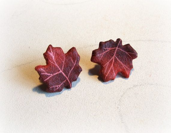 Maple leaf stud earrings Autumn colorful leaves by Sognoametista
