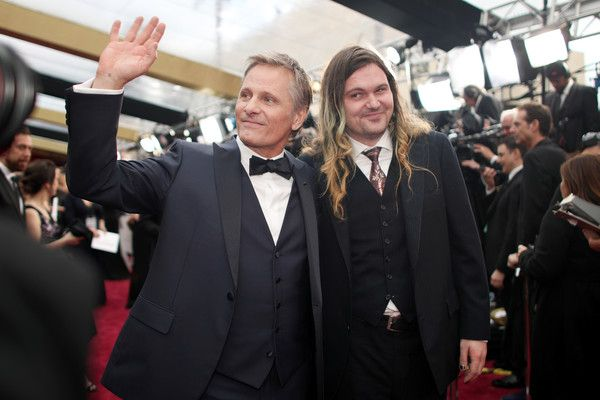 #oscarfashion Actors Viggo Mortensen (L) and Henry Mortensen attend the 89th Annual Academy Awards at Hollywood & Highland Center on February 26, 2017 in Hollywood, California.