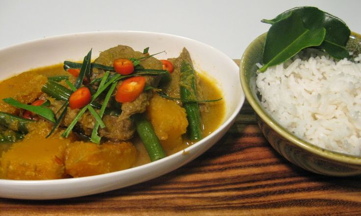 My Thermomix Kitchen - Blog for healthy low fat Weight Watchers friendly recipes for the Thermomix : Beef and Vegetable Rendang Style Curry