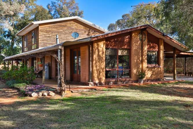 Take a peek at our latest Wednesday Walkthrough - Delightful Mudbrick home in Koorlong