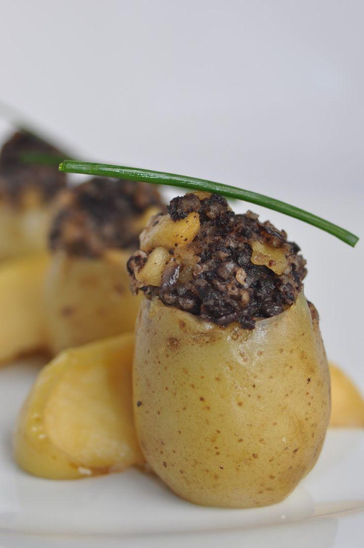 Tomates verdes fritos: Patatas Baby rellenas Morcilla y Manzana
