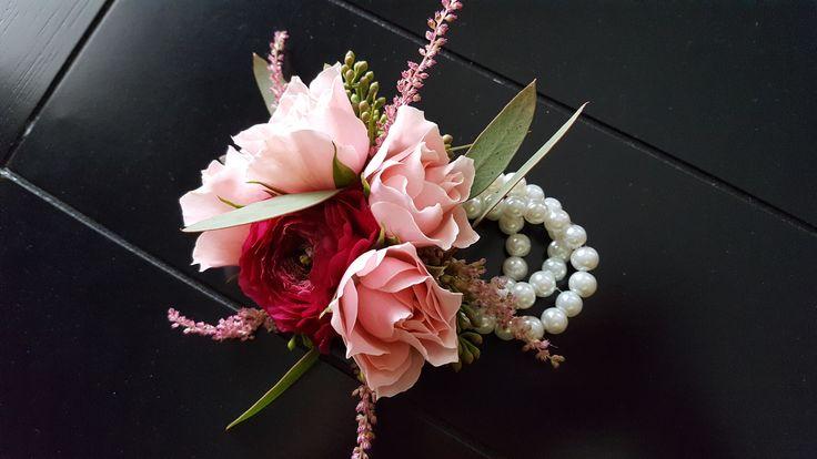 bridal bouquets, wedding centerpieces, flower centerpieces, modern flowers, trendy flowers, Las Vegas Florist, Las Vegas Bride