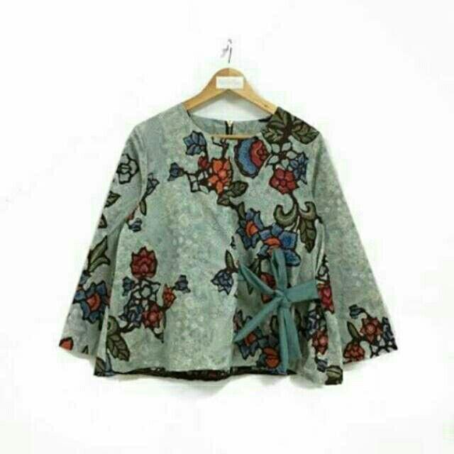 Saya menjual Blouse batik kerja seharga Rp129.000. Dapatkan produk ini hanya di Shopee! https://shopee.co.id/nurika.batik/217784225 #ShopeeID