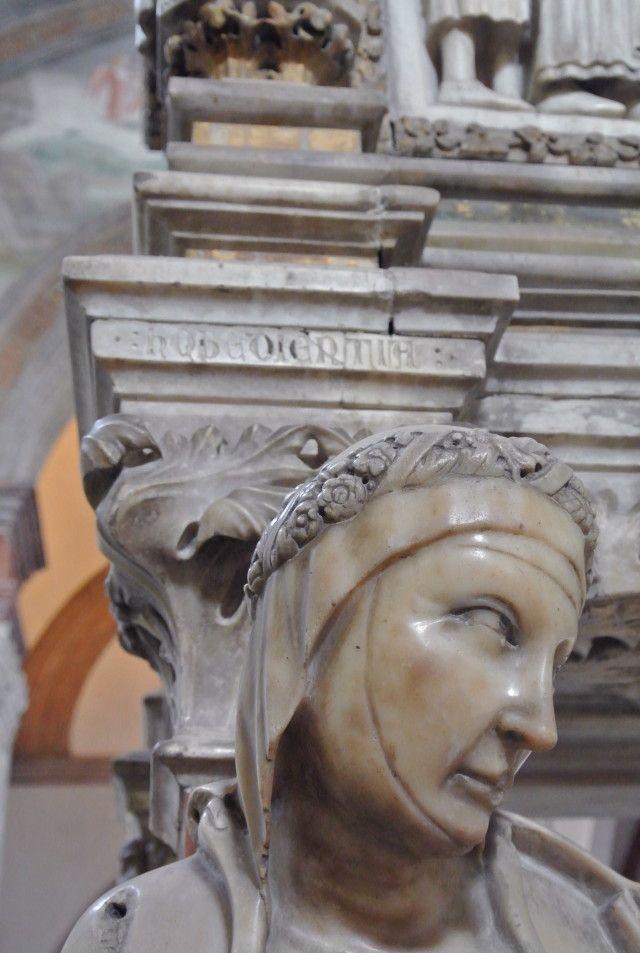 Obedience, Arca di San Pietro Martire, 1336 - 1339, Cappella Portinari, Sant'Eustorgio, Milano. Milano. GIOVANNI DI BALDUCCIO (Pisa, 1300 circa – 1349 circa)   #TuscanyAgriturismoGiratola