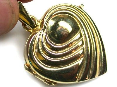 7.2 GRAMS 18K   GOLD   LOCKET 7.2   GRAMS  L617 gold chain , gold jewelry , chain