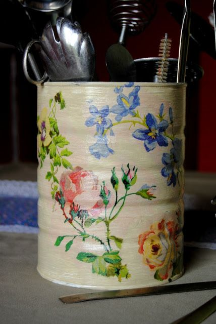 What to do with cans , with a little paint and decoupage