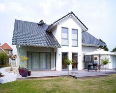 "Haus ""Carina 1"" individuell mit Putz/Holz-Fassade"