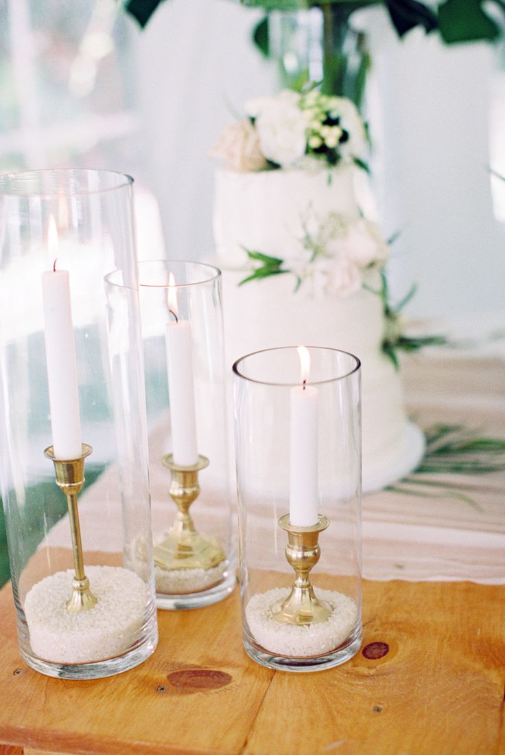 Elegant beach-inspired wedding decor: Photography: Carmen Santorelli - http://carmensantorellistudio.com/