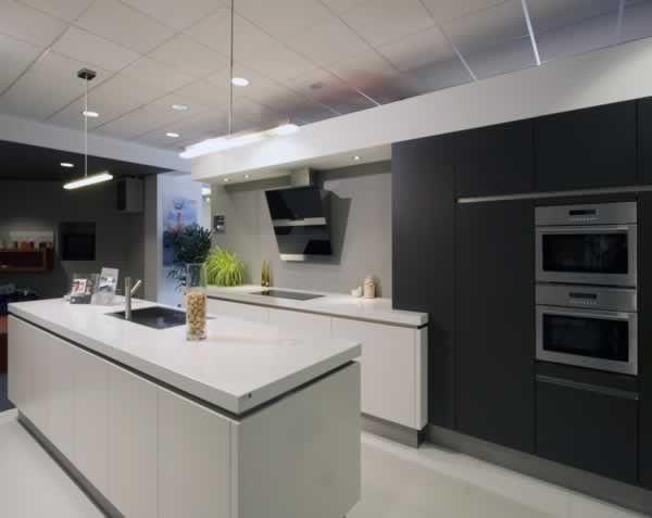 Greeploze keukens van keukens vasco doe inspiratie op voor uw keuken in de toonzaal van vasco - Beeld van eigentijdse keuken ...