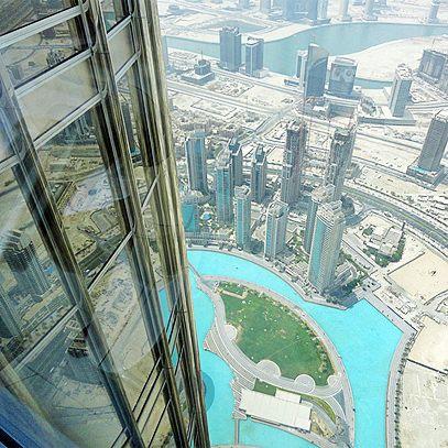 Exclusief wonen in #Dubai. Luxe design villa's en moderne appartementen in Emirates Hills, Meadows en Arabian ranches garanderen een unieke lifestyle. Kwaliteit en stijl zijn de basis van wonen in Dubai. Ontdek de topklasse woonwijken met bewaking op de beste locaties van Dubai. #Yazuul