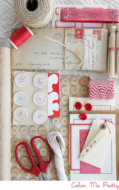 redColors Combos, Kraft Paper, Red, Mood Boards, Room Colors, Inspiration Boards, Colors Palettes, Buttons, Brown Paper Packaging