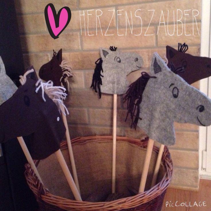 Steckenpferd basteln, aus Filz, mit Vorlage zum Download. War der Hit auf dem Kindergeburtstag mit dem Motto Pferdrparty ❤️