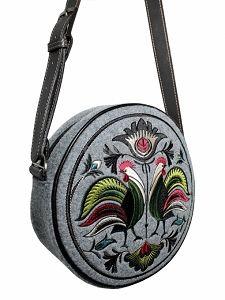Okrągła torebka GOSHICO z filcu z haftowanym wzorem i skórzanym pasem http://torebki.pl/okragla-torebka-goshico-z-filcu-z-haftowanym-wzorem-i-skorzanym-pasem-142.html