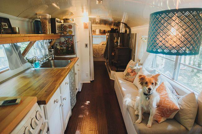 Autobús. El concepto de los mini apartamentos ha ido creciendo en muchos países, tanto por la falta real de espacio disponible como por la falta, también...