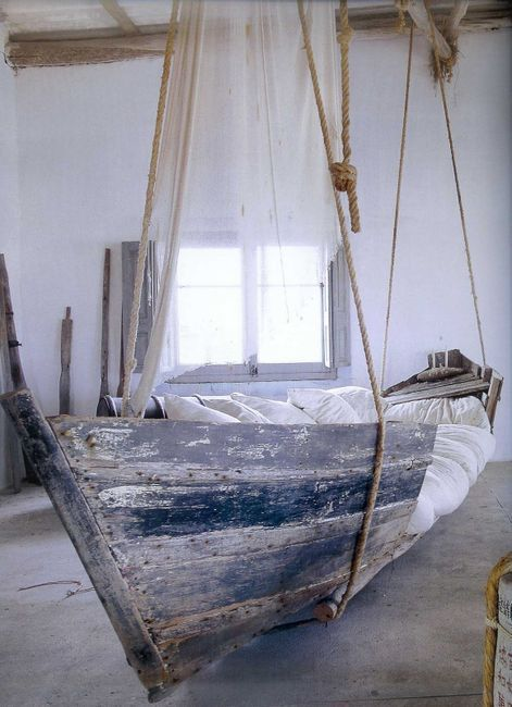 Boat bed :) I want one in my back yard!!!: Old Boats, Boats Beds, Idea, Hammocks, Boys Rooms, Beaches Houses, Sailing Away, Porches Swings, Hanging Boats