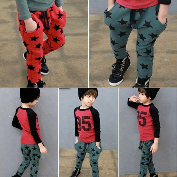 Дешевое Стильный звезды брюки шаблон ребенка малыша хлопок брюки свободного покроя спортивные брюки бесплатная доставка, Купить Качество Брюки и штаны непосредственно из китайских фирмах-поставщиках:  Цвет: красный звезд.  Темно-зеленые звезды            Материал: хлопок                            Для 6 месяцев до лет