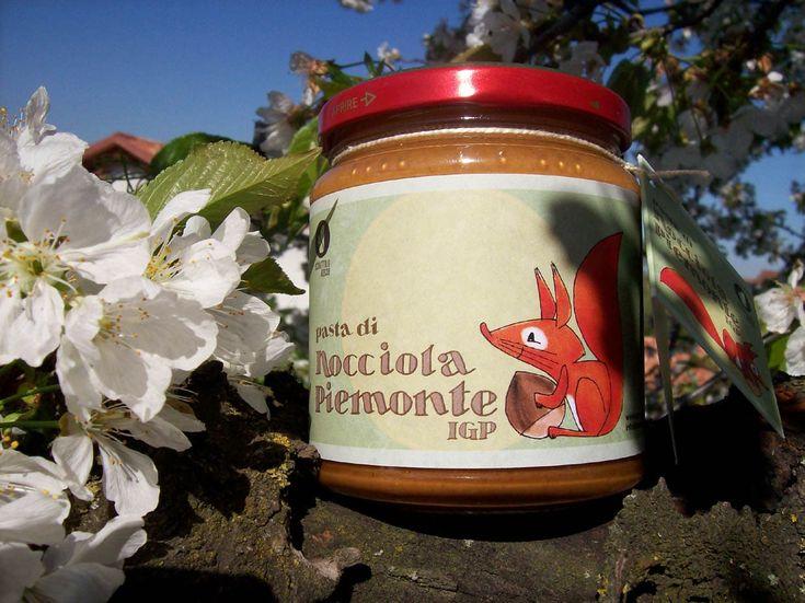 Pasta di nocciola Piemonte igp prodotta da Scoiattolo Rosso
