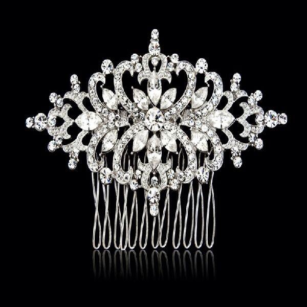 Beautiful crystal wedding hair comb  #wedding #accessories #beading #tiaras #vintage #jewellery #bride  www.arynverebride.com