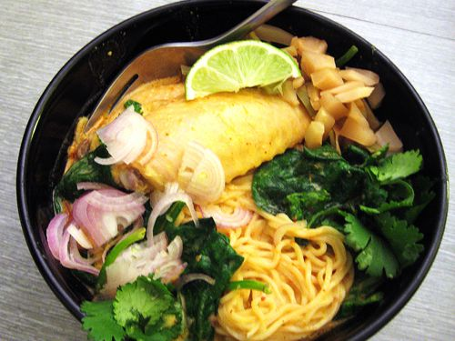 sauce egg noodles with rich chicken curry sauce khao soi khao soi ...