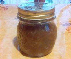 confiture/confit d'oignons compotee d'oignons 300 g oignons 100 g eau 100 g sucre 1/2 c. à café rase cannelle moulue 1 c. à soupe vinaigre balsamique