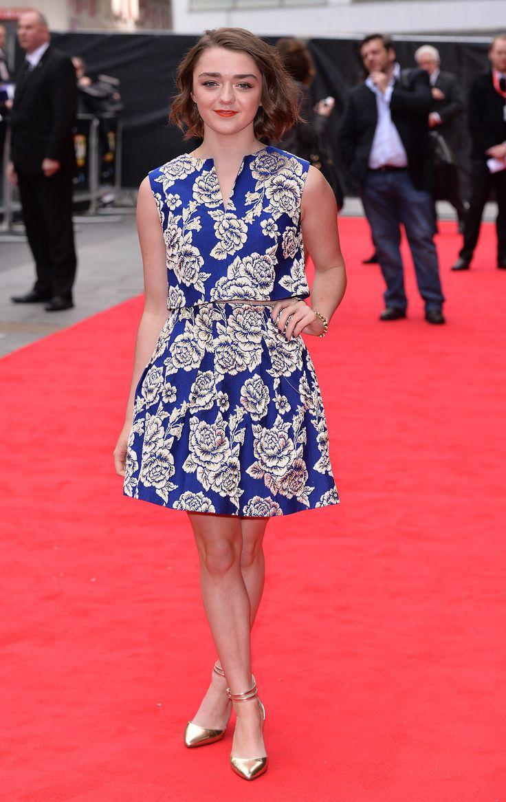 Maisie Williams// floral printed graphic dress + metallic ankle strap shoes