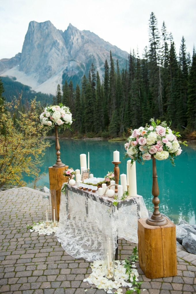 Mountain Wedding at Emerald Lake Lodge Design and Styling by Naturally Chic www.naturallychic.ca | Photo by f8 Photography Inc. www.f8photography.com | flowers by Flower Artistry www.flowerartistry.ca