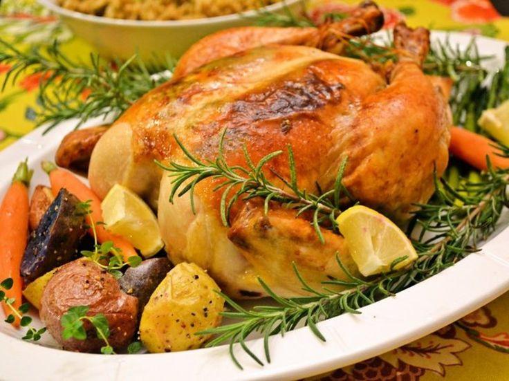 「【絶品ローストチキン】20年作り続けた本場アメリカのクリスマスレシピ」特別な日にローストチキンを焼いてみませんか。下ごしらえと味付けをしたら あとはオーブンにおまかせ。スープ、サラダ、パンを添えれば 豪華なディナーのできあがりです。シンプ...