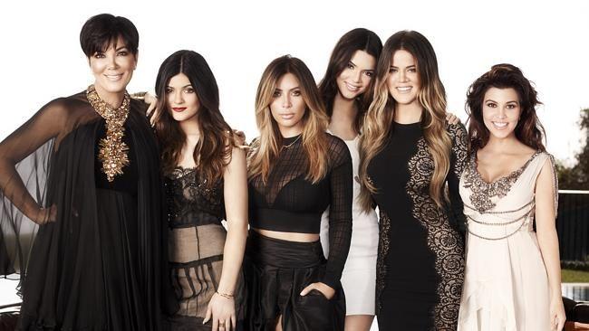 > Una de las chicas de la familia Kardashian-Jenner podría padecer VIH   EXTRA VIP