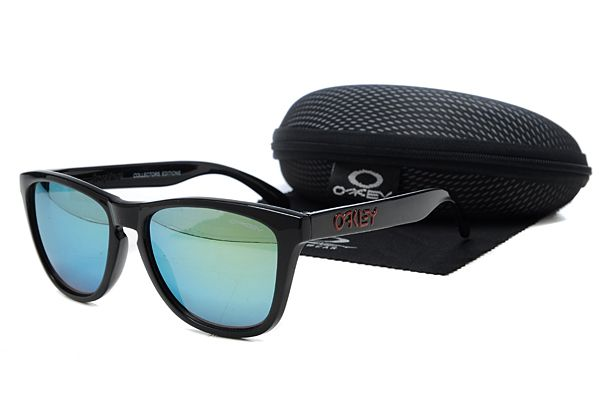 $10.99 New Style Oakley Frogskins Sunglasses Black Frame Blue-green Lens Private Sale www.oakleysunglassescheapdeals.com