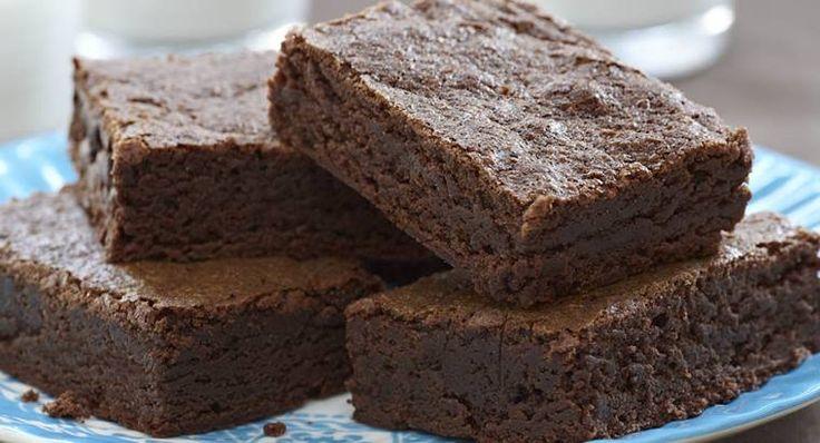 Ricetta brownies originale: la storia, la ricetta tradizionale e le varianti più golose dei deliziosi dolci americani al cioccolato