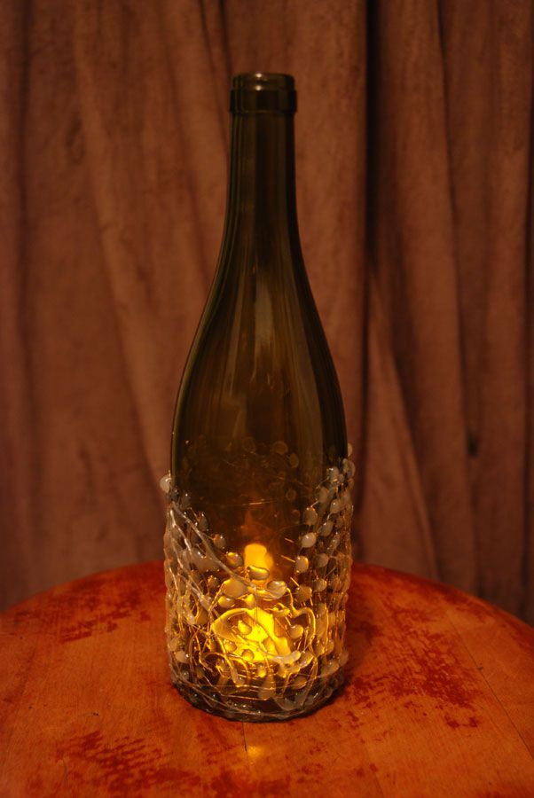 Hot glue patterns on wine bottles cut off bottom leave a for Easy way to cut wine bottles