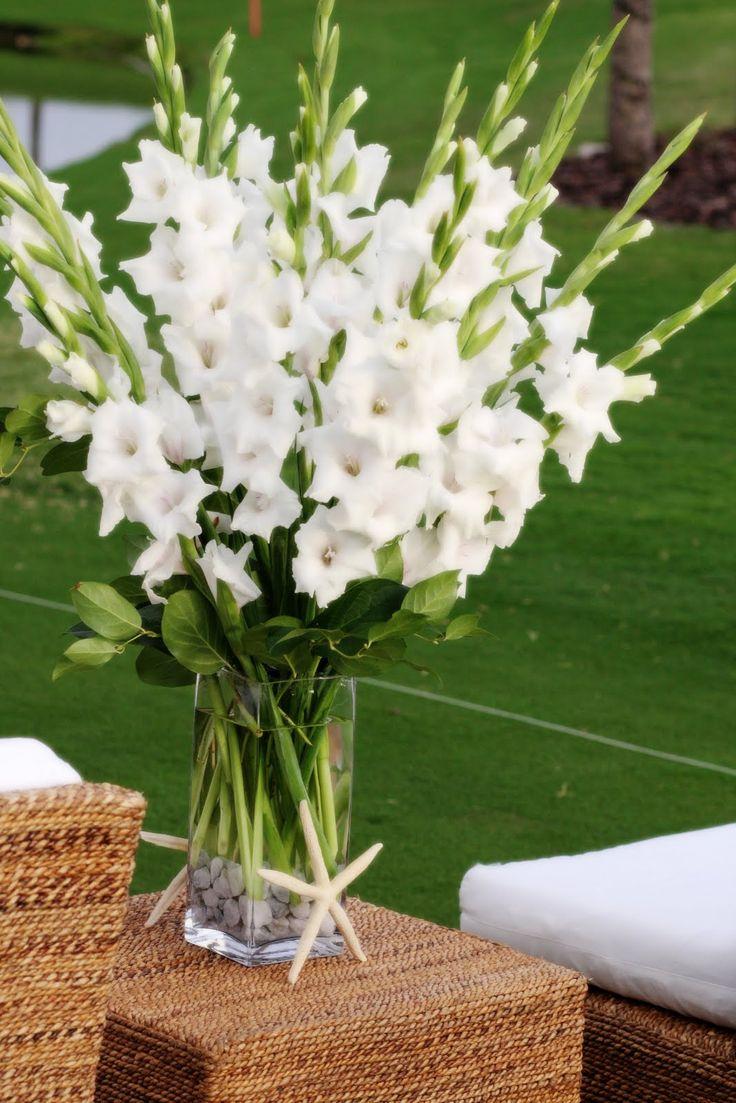White Gladiolus Centerpiece Table Decor Pinterest Mesas Wedding