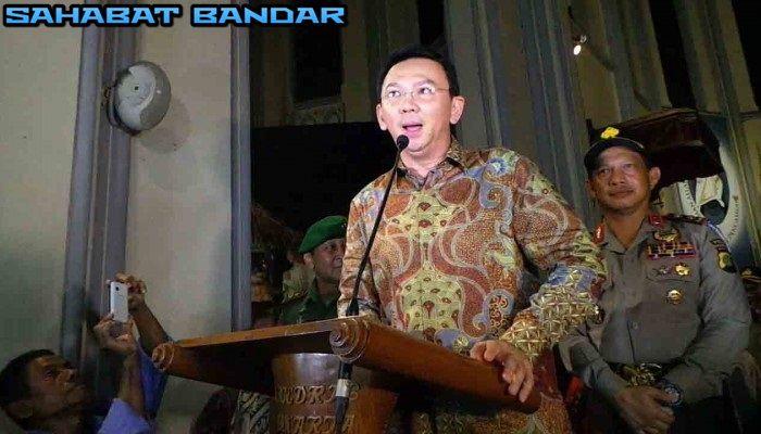 Sahabat Bandar - Gubernur DKI Jakarta, Basuki Tjahaja Purnama alias Ahok, merayakan Natal, Jumat