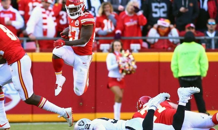 5 things we learned from Chiefs crucial win over Raiders = In a game of monumental implications for the AFC West Division standings, the Kansas City Chiefs beat the Oakland Raiders 26-15 on Sunday. After.....
