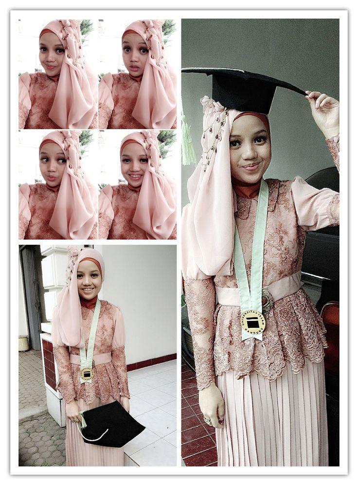 Graduation, kebaya wisuda, hijab kebaya wisuda