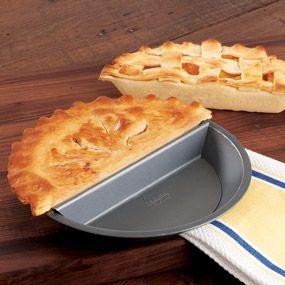 Split pie pan - make half or two types of pie ... or better yet, chicken pot pie and a dessert pie!: Ideas, Split Pies, Pies Pan, Nonstick Pies, Chicago Metals, Split Decision, Products, Chicken Pots Pies, Decision Nonstick