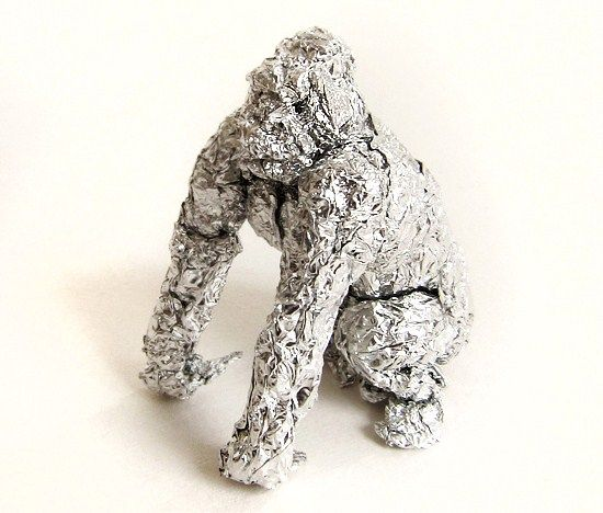 Using tin foil as his medium of choice, artist Dean Millien creates beautiful miniature animal sculptures full of personality and innate character.