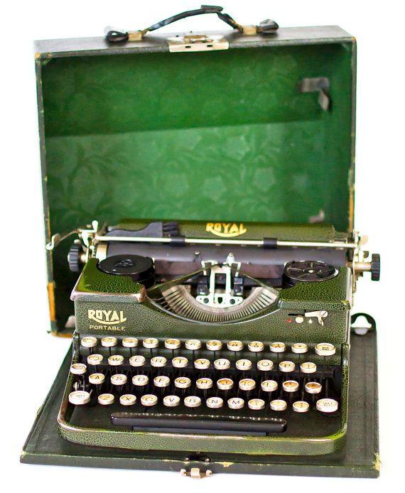 antique royal typewriter yellow   Rare 1930's Antique Green Royal Portable Vintage Working Typewriter ...