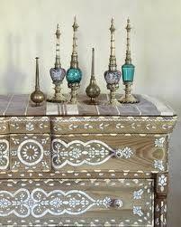 Moroccan decor for the window sill