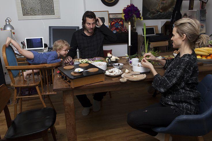 Vers voedsel, dat gaat er bij Good Family Lodeizen – van der Hoeve wel in. Ruben en Maartje uit Amsterdam koken onder andere met boleten, eiwitrijke paddenstoelen die hun zoontje Wolf (2) ook erg lekker vindt.