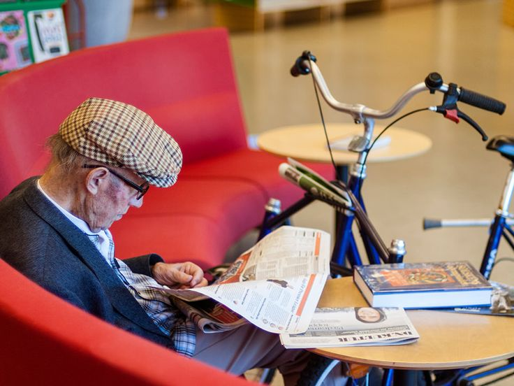 The old man #photography #streetphotography #old #reading #books #library #literature Reading Sweden - Marxal