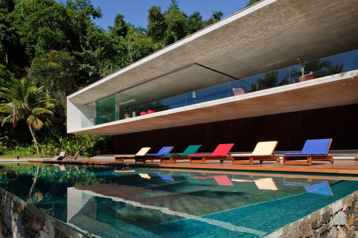 Modern tropical house in Brazil designed by Studio 27. Cocotraie Issue 8.