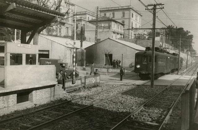 Pas a nivell al costat de l'estació dels ferrocarrils de la Bonanova, Via Augusta- Ganduxer