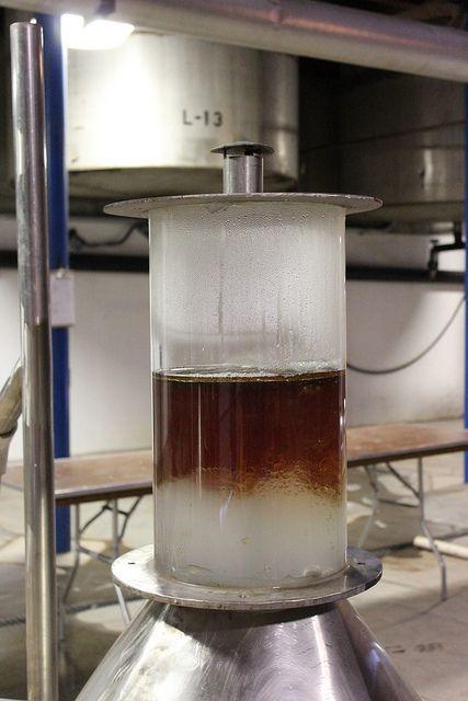 Destilación de Cedro de Virginia (EE.UU)