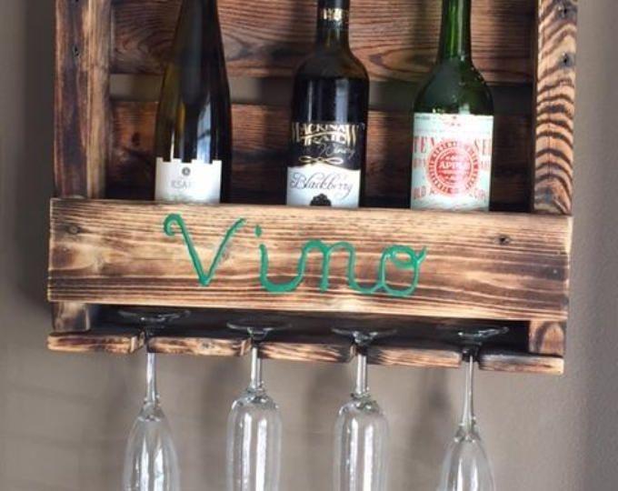 Geregenereerde Pallet wijn Rack. Wandmodellen verticale wijn
