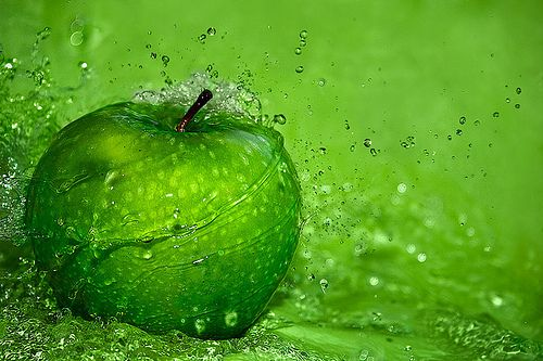 Green apple: Apples Fresh, Colors Verd, Apples Splash, Things Green, Green Apples, Bright Green, Green Green, Colors Green