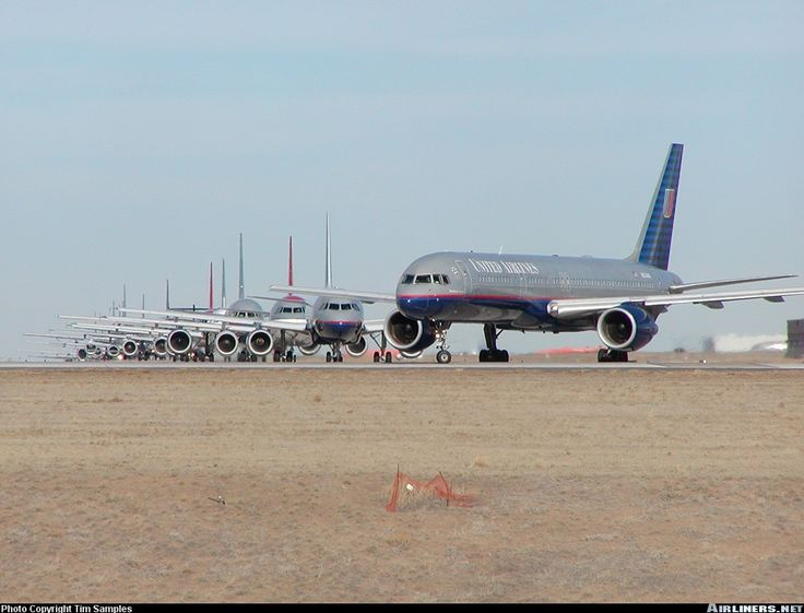 United Airlines  Boeing 757-222  (airliners.net)