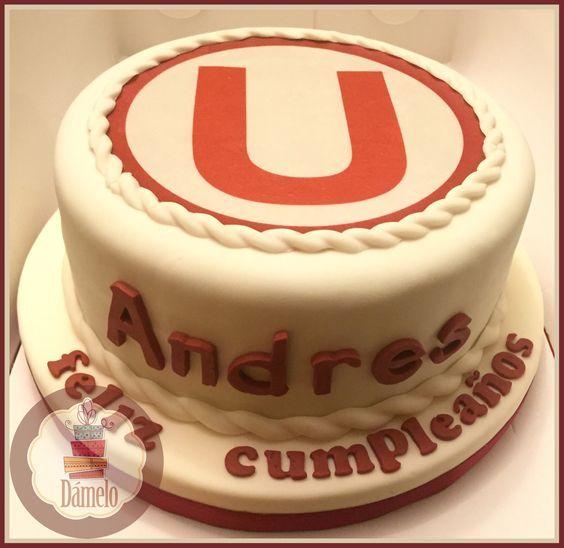 """""""U"""" Universitario de Deportes!!! Torta sabor marmoleado, forrada con masa fondant, decorada con la misma masa e impresión en papel comestible.:"""