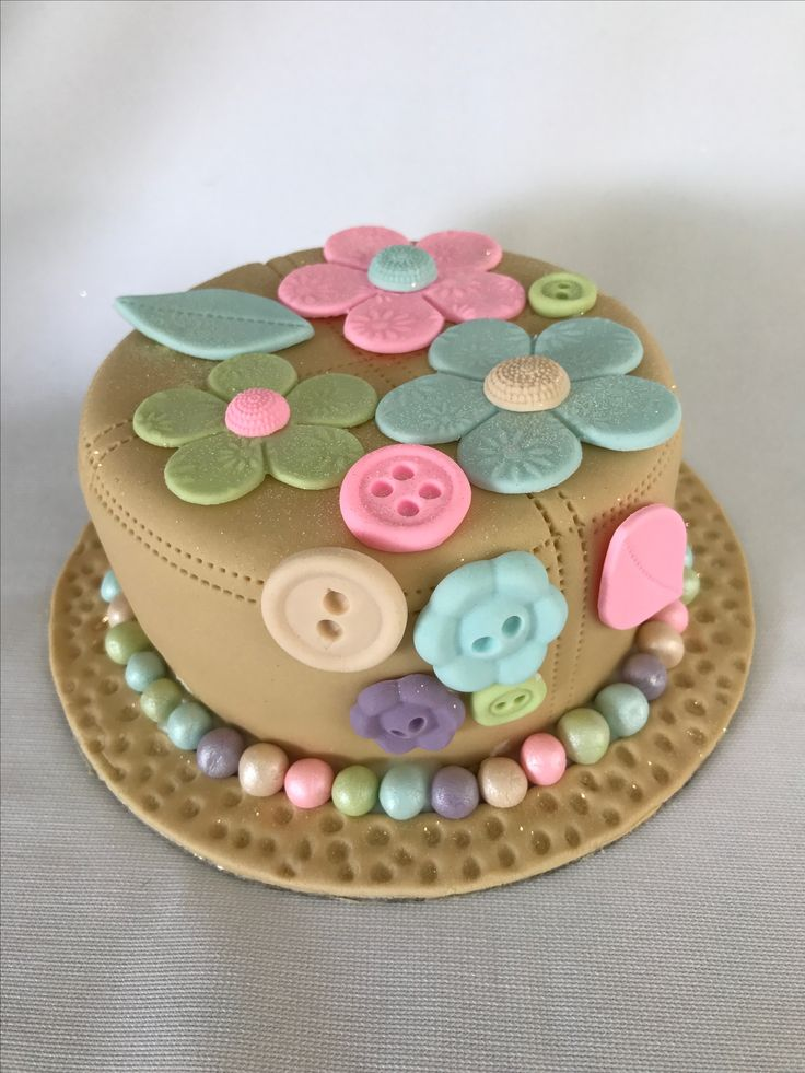 Buttons and flowers cake