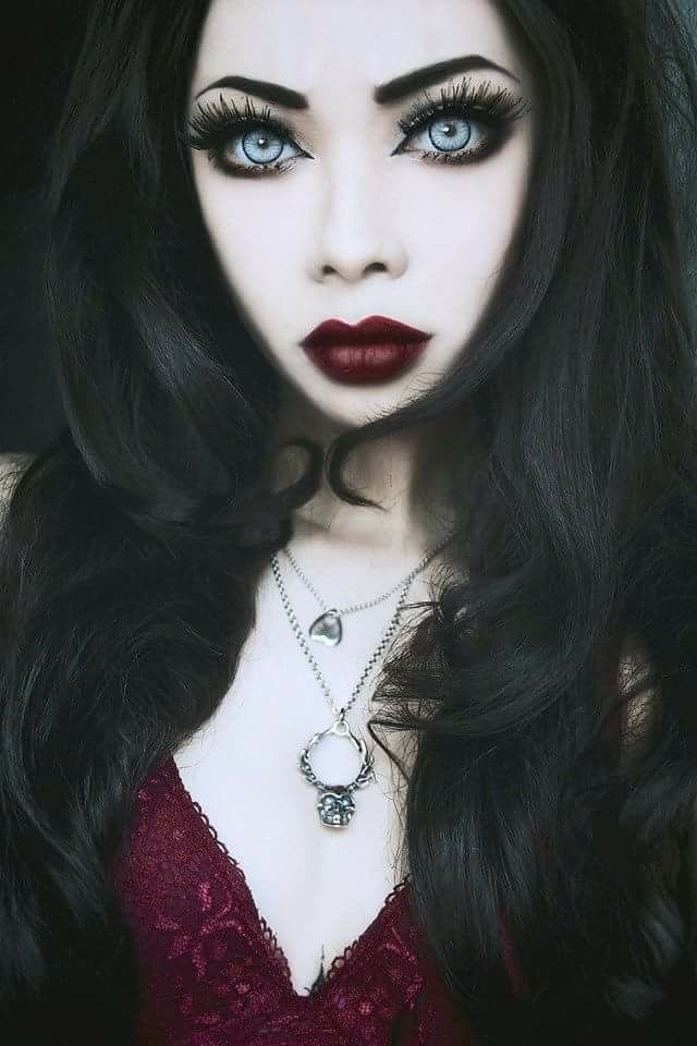17 Best Ideas About Sexy Vampire Makeup On Pinterest | Sexy Vampire Costume Halloween Vampire ...
